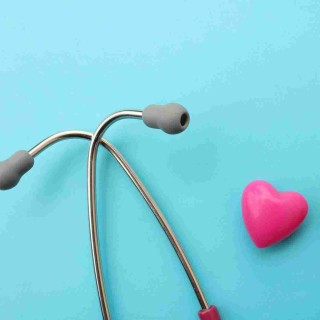 https://www.poliklinika-saric.com/wp-content/uploads/2015/12/srce-i-stetoskop-320x320.jpg